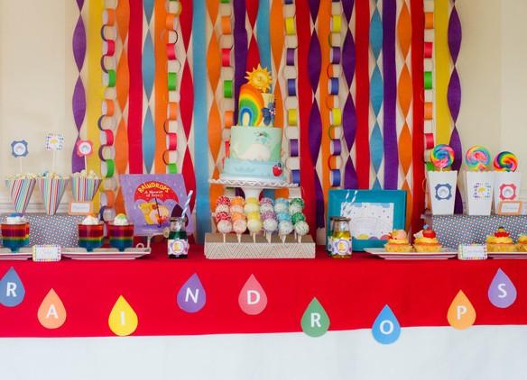 mesa decorada fiesta tematica arcoiris