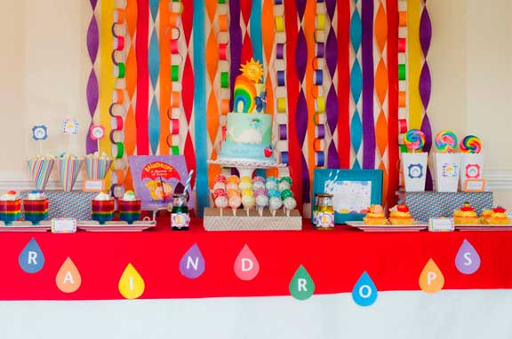 mesa decorada fiesta tematica arcoiris10