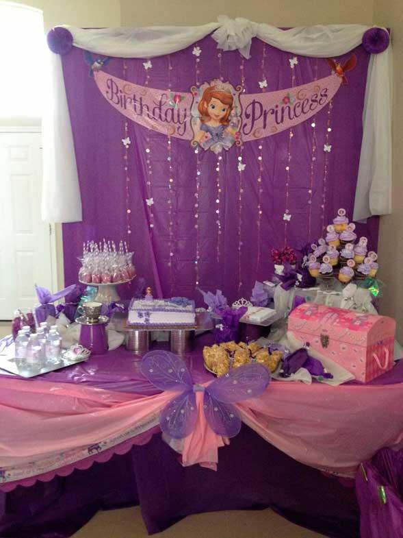 Como decorar una mesa de dulces de princesita sofia for Como decorar una mesa