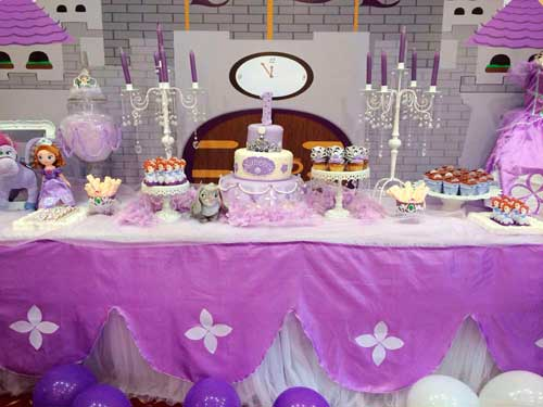 mesa de dulces para fiestas infantiles princesa sofia 06