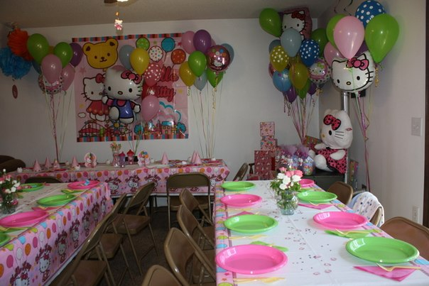 Mesas decoradas con globos para fiestas tematica hello kitty for Mesas decoradas para fiestas